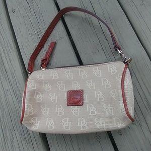 Dooney bourke mini barrel purse wallet